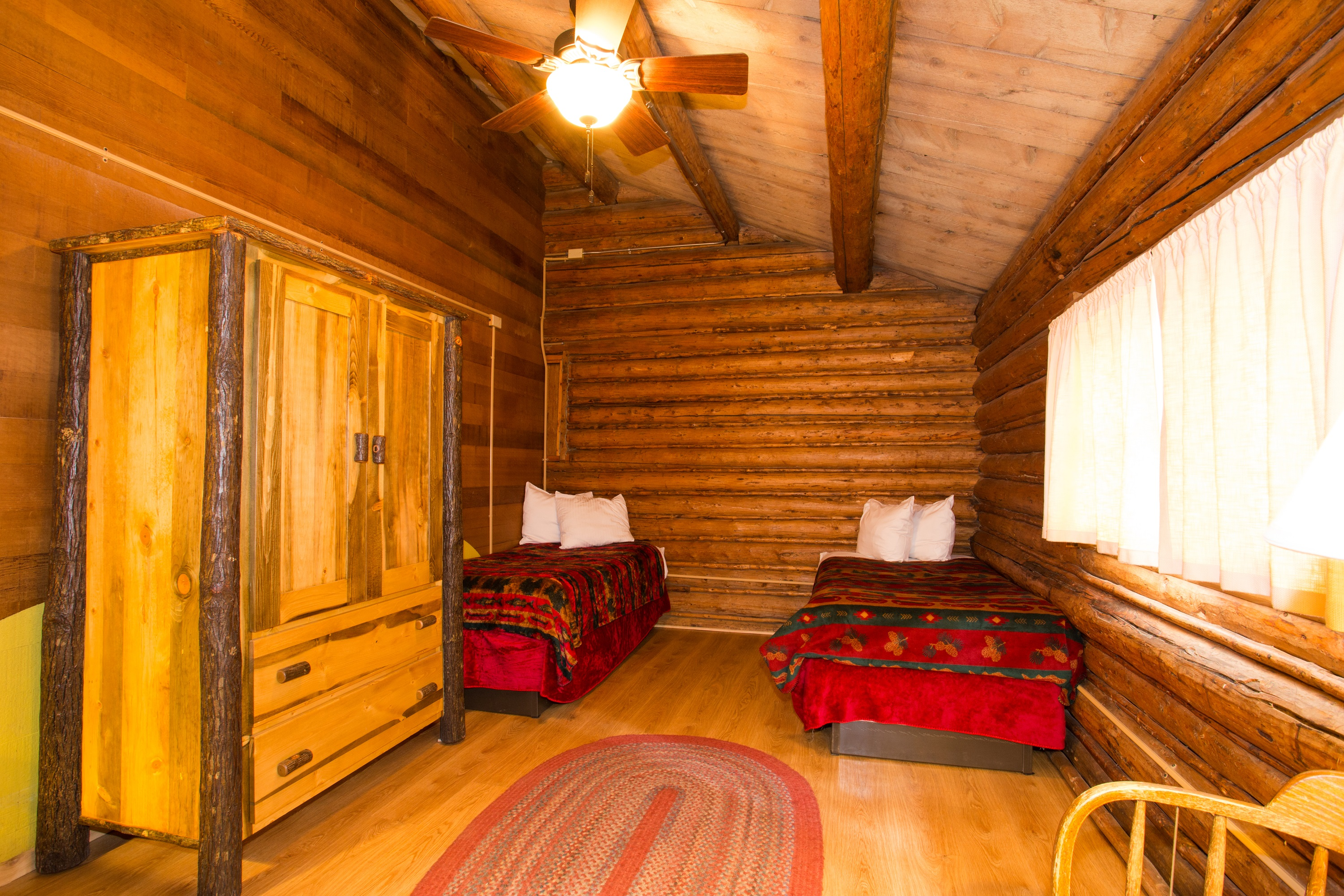 One Room Cabin - Two Twin Beds Shared Bathroom u0026 Two Twin Beds Sleeps 1-2 $ & Colter Bay Village